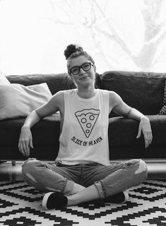 Inspiring interview from the multi-disciplinary studio of Sabrina Melko Tomboy Fashion, Pop Fashion, Fashion Outfits, Mode Outfits, Casual Outfits, Pizza Shirt, Daily Look, Playing Dress Up, Hair