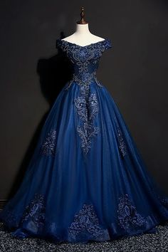 Off The Shoulder Lace Up Floor Length Princess Prom Dresses With Lace Appliques . - Off The Shoulder Lace Up Floor Length Princess Prom Dresses With Lace Appliques – – Source by - Elegant Dresses, Pretty Dresses, Beautiful Dresses, Formal Dresses, Casual Dresses, Ladies Dresses, Formal Prom, Tight Dresses, Princess Prom Dresses