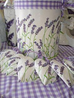 Лаванда всегда притягивает взгляд своим нежным фиолетовым оттенком, наполняет запахом лета и создает ауру Прованса. Издревле этот цветок считался символом любви, красоты и изысканности. Разве это не п...