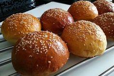 Hamburgerové bulky Russian Recipes, Food Porn, Food And Drink, Bread, Cooking, Sweet, Polish, Basket, Bulgur