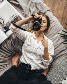 Fix me 🎮 w/ Audreyyyyyy Morning Photography, Self Portrait Photography, Photography Poses Women, Creative Photography, Lifestyle Photography, Photographer Self Portrait, Photography Ideas, Fashion Photography, Couple Style