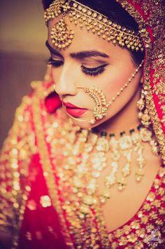absouletely stunning bride looking muahhh...
