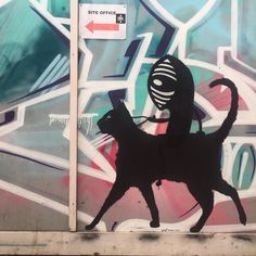Just going for a ride. Art by @anatronen1971 & @noriakinoriaki on Blackall St London last week.  #Noriaki #cat #urbanart #tv_streetart #rsa_graffiti #dsb_graff #gullysteez #instagrafite #arturbain #ArteUrbano #gestaltenurbana #grafeat #streetarteverywhere #anatronen by catscoffeecreativity