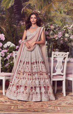 Wedding Dresses Men Indian, Indian Gowns Dresses, Indian Bridal Outfits, Indian Fashion Dresses, Indian Designer Outfits, Lehenga Designs Simple, Wedding Lehenga Designs, Designer Bridal Lehenga, Bridal Lehenga Collection