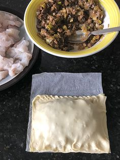 merluza con setas en hojaldre 15 Empanadas, Canapes, Quiche, Diabetes, Salmon, Arrows, Salads, Carnival, Food Art