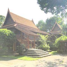 Plai Nern Palace Museum  #PlaiNernPalaceMuseum  #พิพิธภัณฑ์ตำหนักปลายเนิน  #KhlongToei #MyKrungthep #Bangkok  เหมือนจะมาช้าไปแต่ได้ชื่นชมสถานที่ก็ดีใจมากละค่า วังคลองเตยที่เปิดให้ชมปีละครั้งวันที่๒๙เมษายน Hidden Treasures, Outdoor Furniture, Outdoor Decor, Bangkok, Hammock, Cabin, House Styles, Home Decor, Decoration Home