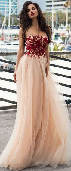 Unique Tulle Strapless Neckline A-line Prom Dress With Lace Appliques
