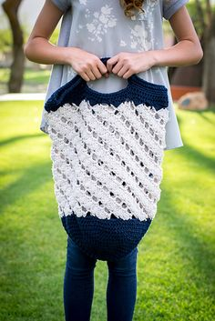 Sand and Sea Bag ~ Happily Hooked Magazine ~ Issue 26 May 2016