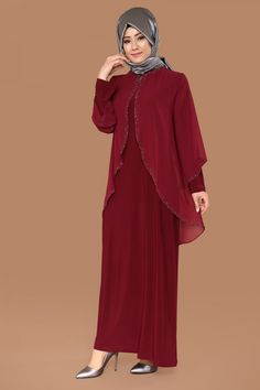 Üstü Şifon Taşlı Elbise Bordo Ürün kodu: SMT1007 --> 129.90 TL Abaya Fashion, Muslim Fashion, Fashion Dresses, Long Summer Dresses, Black Prom Dresses, Lovely Dresses, Beautiful Outfits, African Dresses For Kids, Dress Pesta