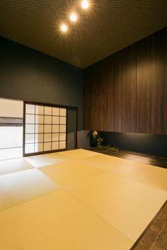 Japanese Modern, Japanese Interior, Japanese Style, Japanese Architecture, Contemporary Architecture, Washitsu, Tatami Room, House Roof, Downlights