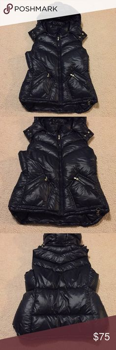 J. Crew Down Puffer Vest J. Crew Down Puffer Vest. EUC, all zippers work, navy blue, has hood, hood has option to come off. Size Large J. Crew Jackets & Coats Vests