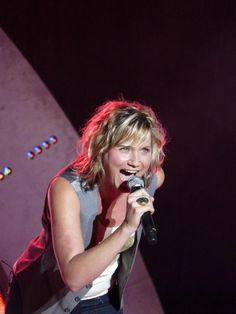 Country Singers, Country Music, Jennifer Nettles Hair, Country Girls, Style Icons, Beautiful Women, Fan, Concert, Pictures
