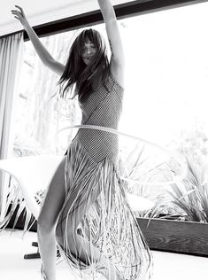 """Fringe Benefits - """"There's a very large part of me that would be perfectly happy living on a ranch in Colorado and having babies and chickens and horses,"""" Dakota Johnson"""