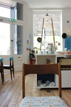 Art and Vintage, Abbeyhill, Edinburgh. A lovely place for fika!