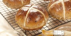 Hot Cross Buns- Your guests will be crossing their fingers that you re serving these yummy buns made with cinnamon, cloves, raisins and candied fruit and topped with sweet icing. Fruit Bread, Candied Fruit, Brunch, Hot Cross Buns, Cinnamon Bread, Recipe Details, Easter Treats, Rolls Recipe, Bread Rolls