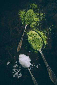 Matcha Green Tea and Salt, Food Photography, Vintage Spoons, Green, Texture Stop Drinking Alcohol, Drinking Tea, What Is Matcha, Green Tea Drinks, Cucumber Face Mask, Mountain Rose Herbs, Matcha Green Tea, Types Of Food, Cooking