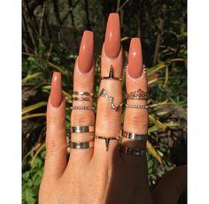 Semi-permanent varnish, false nails, patches: which manicure to choose? - My Nails Nails Yellow, Mauve Nails, Aycrlic Nails, Purple Nails, Perfect Nails, Gorgeous Nails, Pretty Nails, Fabulous Nails, Summer Acrylic Nails