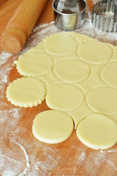 Tejfölös keksz Bakery Recipes, Winter Food, Food And Drink, Pudding, Sweets, Cookies, Baking, Biscuits, Good Stocking Stuffers