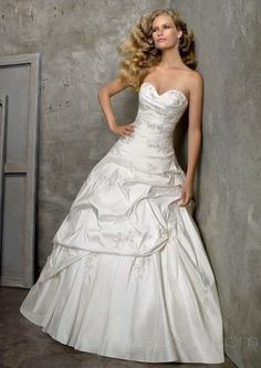 wedding dress Love the sweetheart neckline the beading and the poufyness so pretty much love it all