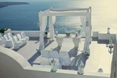 MIS SECRETOS DE BODA: Una Boda Blanca y Azul en Santorini.