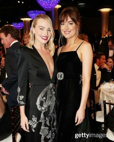 Dakota & Margo Robbie at the Golden Globes 01/08/18  Both dressed in Gucci and styled by the amazing Kate Young