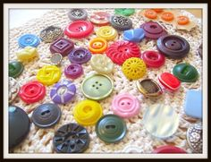 Image detail for -... 1310909183Flower_vintage_buttons.jpg