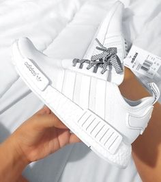 new concept 64ef4 d3fc0 ADIDAS Womens Shoes - Nmd blanches et lacets gris - Find deals and best  selling products for adidas Shoes for Women