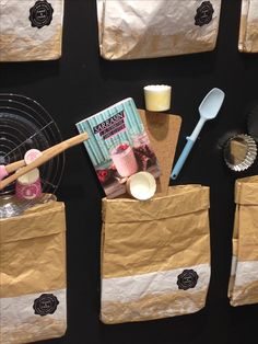 Visual merchandising window retail cuisine kitchen  photo by @nailakb in instagram