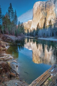 El Captain - Yosemite National Park - California - USA (by Barney Moss)