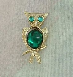Cute Owl Scatter Pin Green Cabochon Body and Eyes Vintage Animal Jewelry
