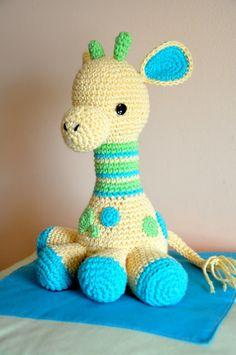 Arafa, la jirafa bebé   Chica outlet Crochet Stitches, Knit Crochet, Crochet Patterns, Baby Gym, Crochet Projects, Free Pattern, Dinosaur Stuffed Animal, Diy Crafts, Knitting