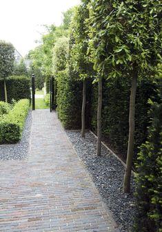Elite backyard garden ideas photos only on kennyslandscaping com Townhouse garden, Garden paving, Ga