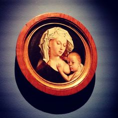 Spectacular training session at the #MNAC #museum discovering the new presentation of their Renaissance and Barroco collection. #art #painting #motherhood #madonna #breastfeeding #bold #igersbarcelona #arttour #ilovemyjob