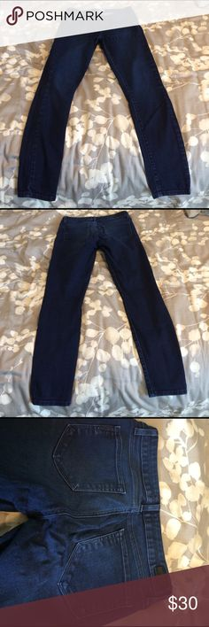 Paige skinny jeans These Paige skinny jeans are super flattering. The fit is super skinny. Size 28. Dark wash with detailed stitching on back left pocket. Well loved but in great condition. Paige Jeans Jeans Skinny
