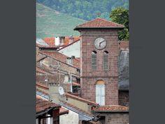 Saint-Jean-Pied-de-Port: Clocher de l'église Notre-Dame-du-Bout-du-Pont et toits de la vieille ville