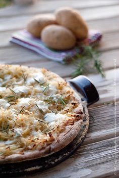 Potatoes, Rosemary and Mozzarella Pizza <3