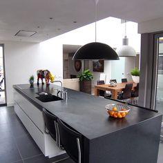 Cucina in stile in stile Moderno di EIKplan architecten BNA