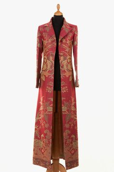 Silk & Cashmere Coats and Jackets for Women & Men Silk Coat, Silk Jacket, 70s Fashion, Modest Fashion, Fashion Tips, College Fashion, Korean Fashion, Fashion Women, Girl Fashion