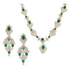 M. Gerard Paris Important Emerald Diamond Gold Demi-Parure 1