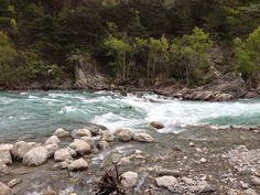 Nage en eau vive (hydrospeed) sur la Durance descendu en 2014. Encadrement par Vico au passage de la vague du Rabioux.