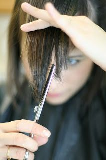 Budget Beautiful DIY: How To Cut Side Bangs--would probably never be brave enough to do this but good to know just in case Cut Side Bangs, How To Cut Bangs, How To Style Bangs, Diy Side Swept Bangs, Wispy Bangs, Hairstyles With Bangs, Diy Hairstyles, Hairdos, Bob Hairstyle