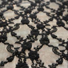 Dantela elastica neagra MCR8837BK.  Latime   132 / 137 (cm); Greutate 90~100 (per gram);  Compozitie (%) Bumbac 95%; Spandex 05%; Animal Print Rug, Spandex
