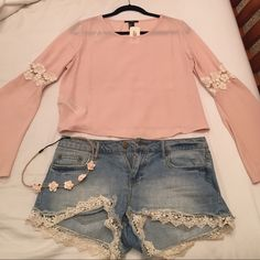 Blush bell sleeve crochet top Adorable blush flowy top with cream crochet detail on each sleeve. Bell sleeves give it a boho look, making it perfect for a music festival, concert, or a warm summer night! New with tags, size medium. Forever 21 Tops Blouses