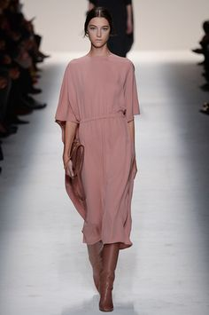 Valentino Fall 2014 Ready-to-Wear Collection Slideshow on Style.com | Curated pins by @sommerswim