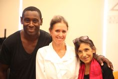 David Harewood (Oberon), Julie Taymor (Director) and Kathryn Hunter (Puck) in rehearsal for Theatre for a New Audience's A MIDSUMMER NIGHT'S DREAM. Photographed at New 42nd Street Studios. Photo credit: Gerry Goodstein.