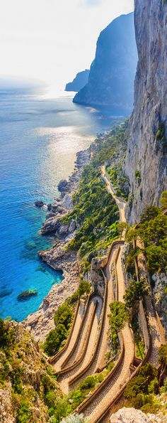 Via Krupp, Capri - an amazing walk, you have to do it once in your lifetime, even if they make you climb over the gate... Routes Romaines, Beautiful World, Beautiful Roads, Beautiful Islands, Most Beautiful, Pompei Italy, Napoli Italy, Italy Italy, Pictures Of Italy