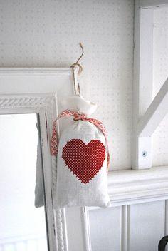 Like the heart bag