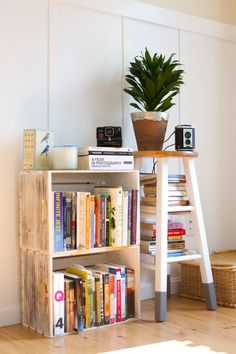 Makeshift bookcase http://www.designsponge.com/2014/08/a-first-apartment-together-in-portland-maine.html