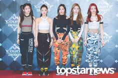 ITZY 190214 MCount Down Stage Outfits, Kpop Outfits, South Korean Girls, Korean Girl Groups, Fandom, Mnet Asian Music Awards, Nayeon, New Girl, Pop Group