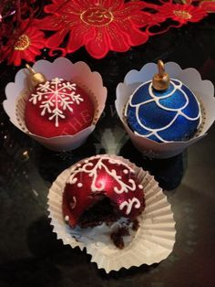 sorry for being late. I found these holiday ornament cupcakes for you. They look so beautiful and delicious. Enjoy and have a lovely day my sweet friend. Christmas Cupcakes, Christmas Sweets, Christmas Cooking, Noel Christmas, Christmas Goodies, Holiday Baking, Christmas Desserts, Holiday Ornaments, Holiday Treats
